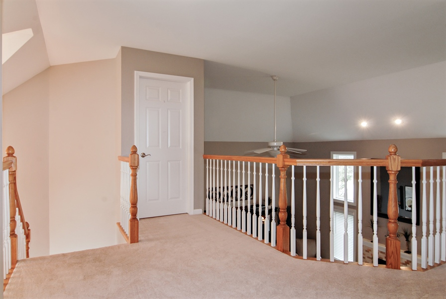Real Estate Photography - 961 Waterside Court, Aurora, IL, 60502 - 2nd Floor Corridor