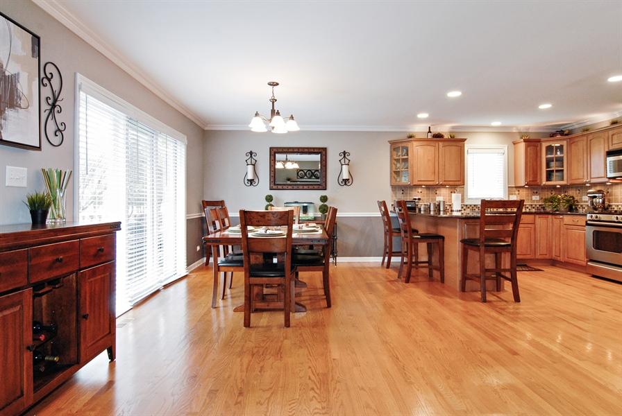 Real Estate Photography - 961 Waterside Court, Aurora, IL, 60502 - Kitchen / Breakfast Room