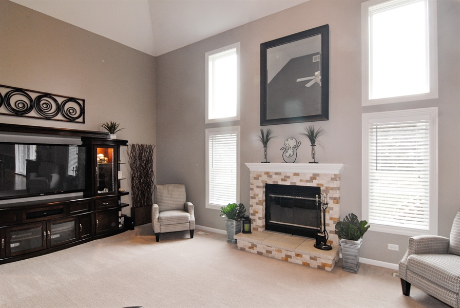 Real Estate Photography - 961 Waterside Court, Aurora, IL, 60502 - Family Room