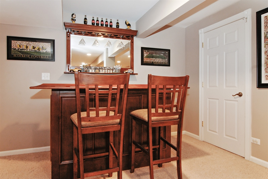 Real Estate Photography - 961 Waterside Court, Aurora, IL, 60502 - Bar
