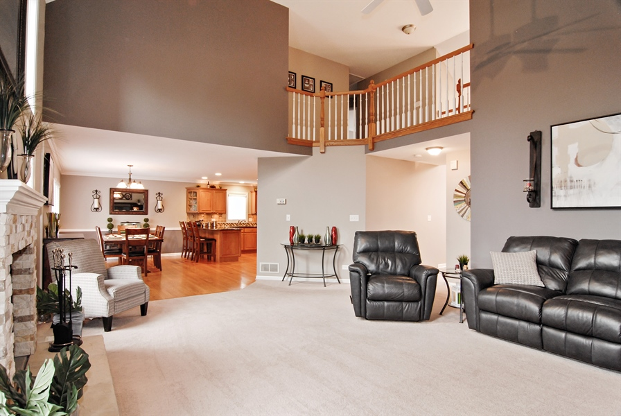 Real Estate Photography - 961 Waterside Court, Aurora, IL, 60502 - Family Room / Kitchen