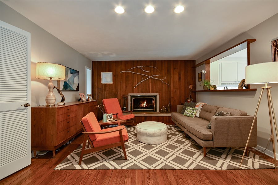 Real Estate Photography - 307 Woodward Ave, Geneva, IL, 60134 - Living Room