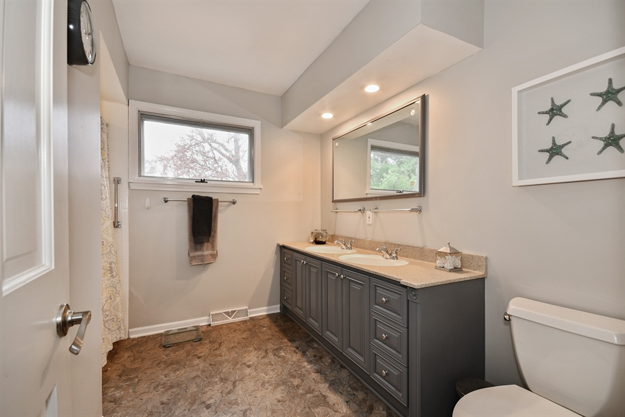 Real Estate Photography - 307 Woodward Ave, Geneva, IL, 60134 - 3rd Bathroom