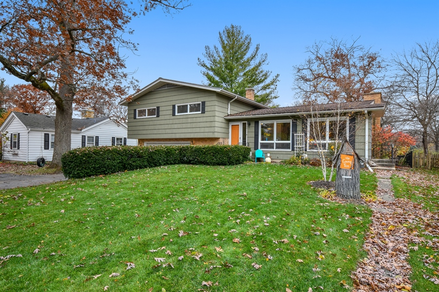 Real Estate Photography - 307 Woodward Ave, Geneva, IL, 60134 - Front View