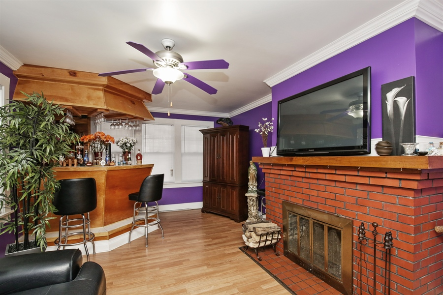 Real Estate Photography - 644 PALACE Street, Aurora, IL, 60506 - Living Room