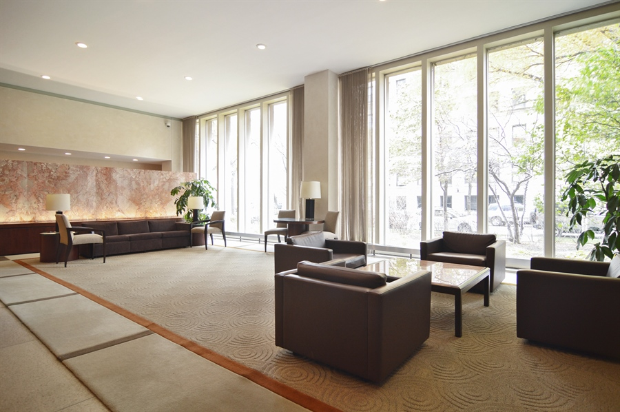 Real Estate Photography - 3550 N. Lake Shore Drive, Unit 2706, Chicago, IL, 60657 - Lobby