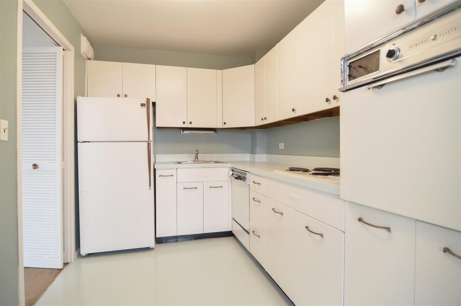 Real Estate Photography - 3550 N. Lake Shore Drive, Unit 2706, Chicago, IL, 60657 - Kitchen