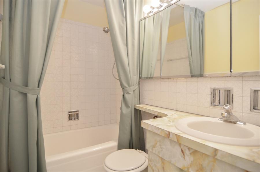Real Estate Photography - 3550 N. Lake Shore Drive, Unit 2706, Chicago, IL, 60657 - Bathroom