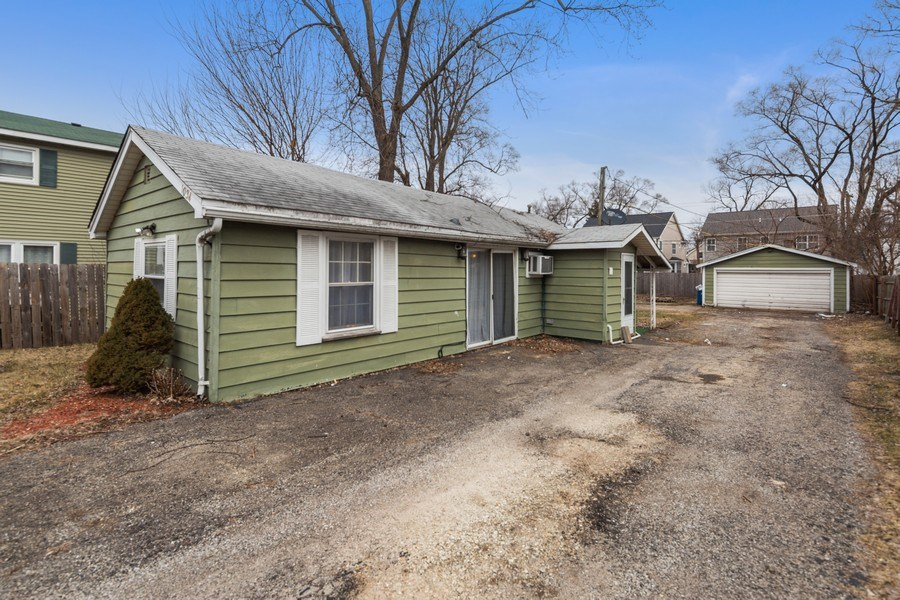 Real Estate Photography - 1034 Norfolk Street, Downers Grove, IL, 60516 - Front View