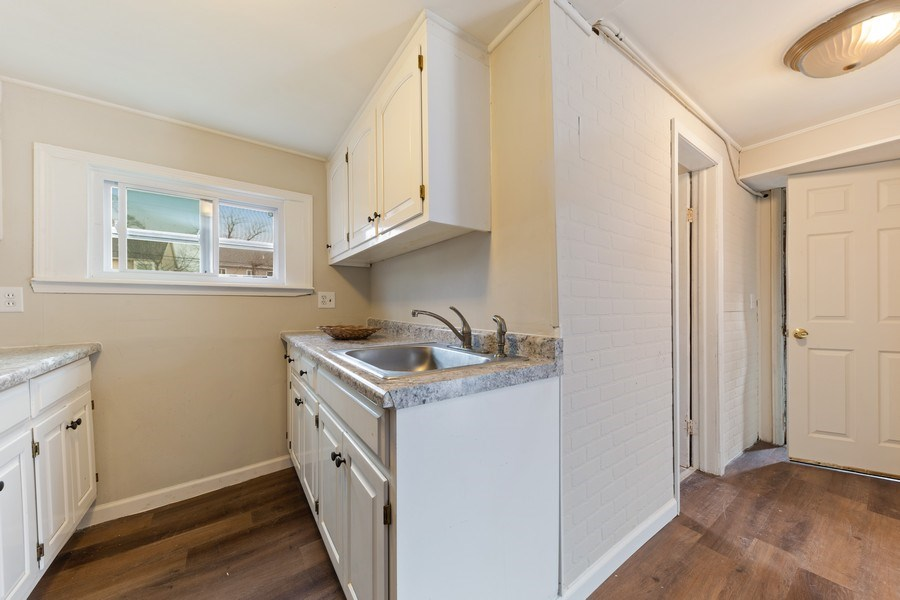 Real Estate Photography - 1034 Norfolk Street, Downers Grove, IL, 60516 - Kitchen