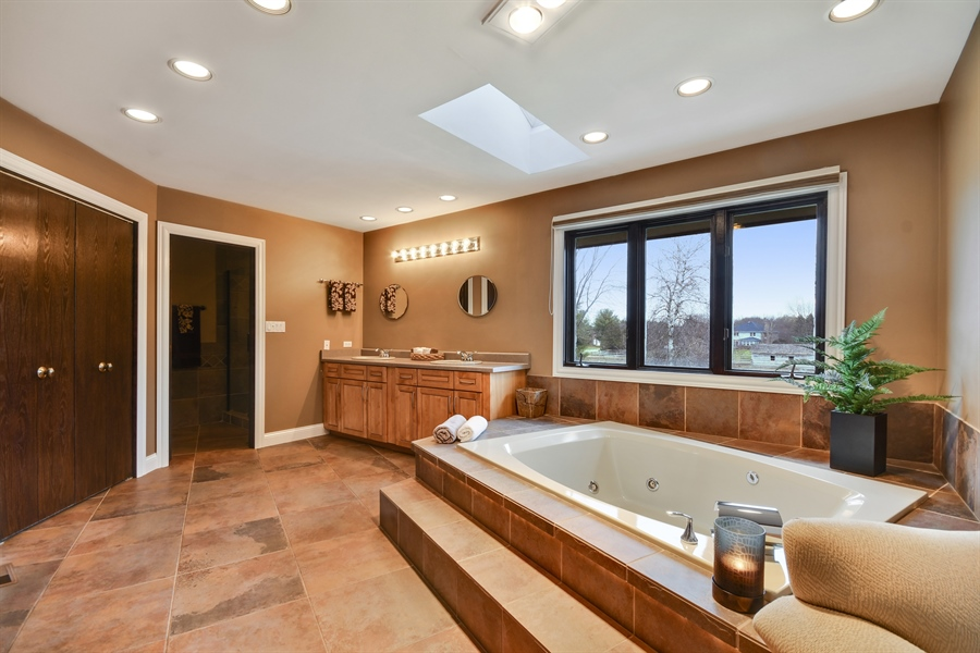 Real Estate Photography - 5N737 Dunham Trails Road, Wayne, IL, 60184 - Master Bathroom