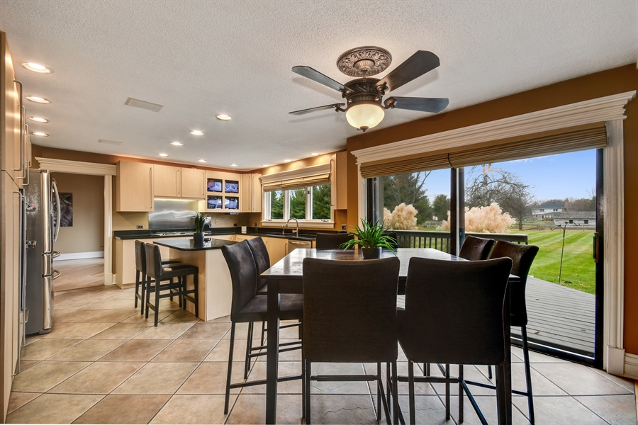 Real Estate Photography - 5N737 Dunham Trails Road, Wayne, IL, 60184 - Kitchen / Breakfast Room