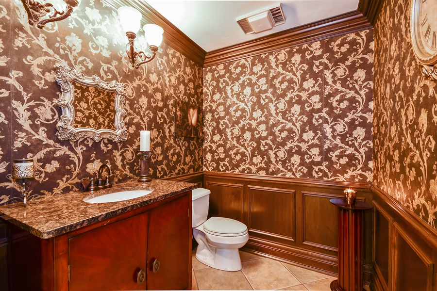 Real Estate Photography - 5N737 Dunham Trails Road, Wayne, IL, 60184 - Half Bath