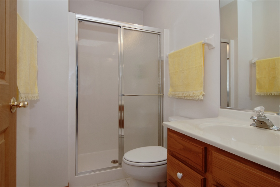 Real Estate Photography - 1908 Margaret Court, Aurora, IL, 60505 - Master Bathroom
