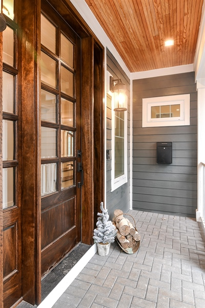 Real Estate Photography - 918 Yale Street, Wilmette, IL, 60091 - Porch