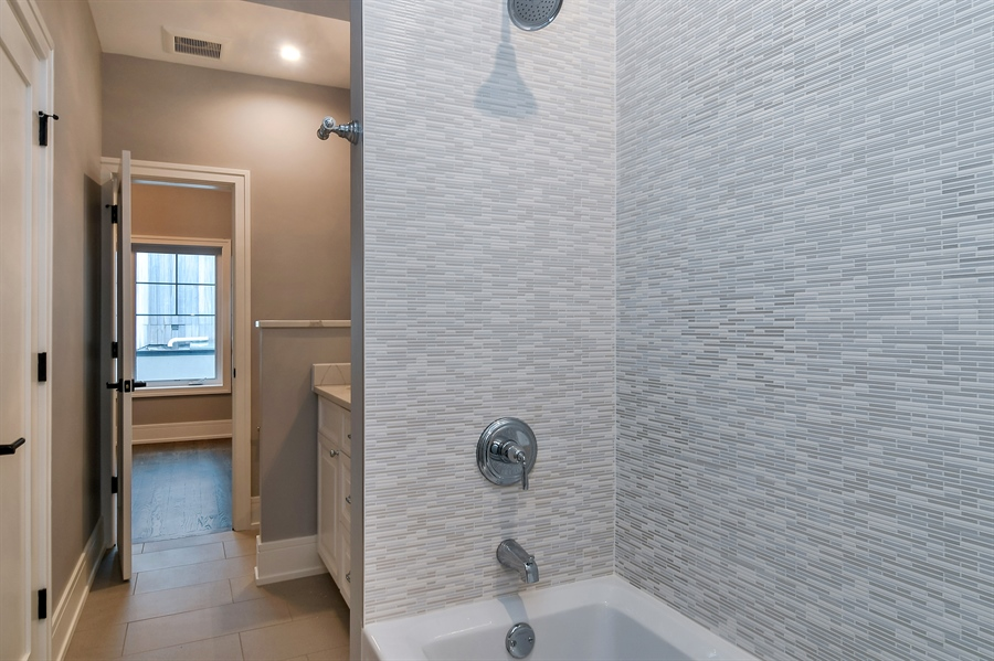 Real Estate Photography - 918 Yale Street, Wilmette, IL, 60091 - Jack & Jill Bath