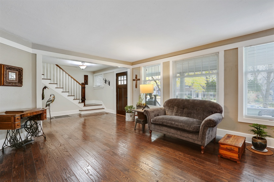 Real Estate Photography - 21 S. Columbia Street, Naperville, IL, 60540 - Living Room