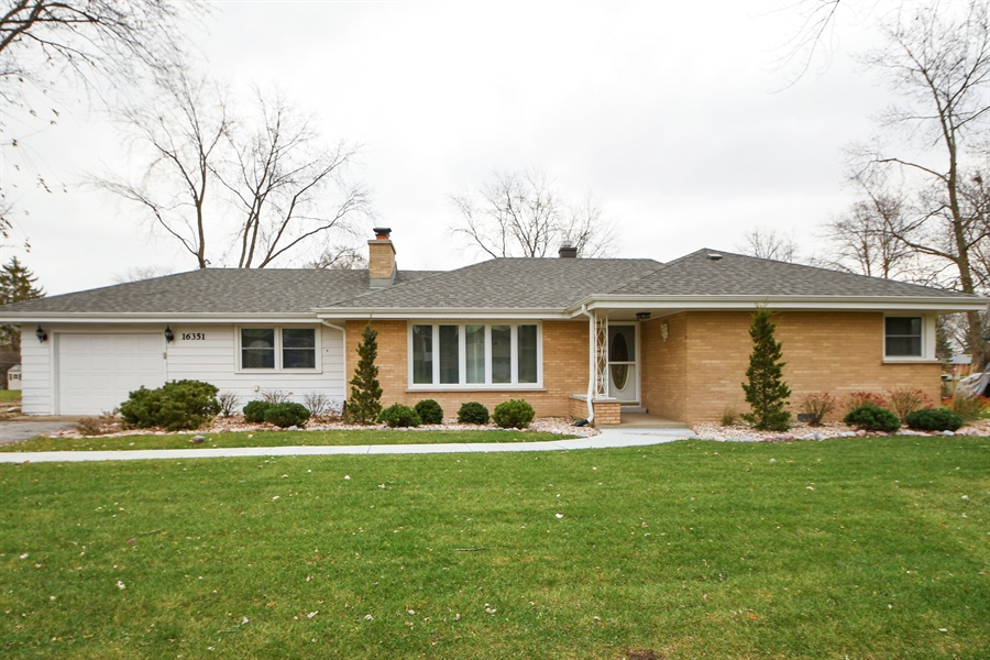 Real Estate Photography - 16351 RIDGELAND Avenue, Tinley Park, IL, 60477 - Front View