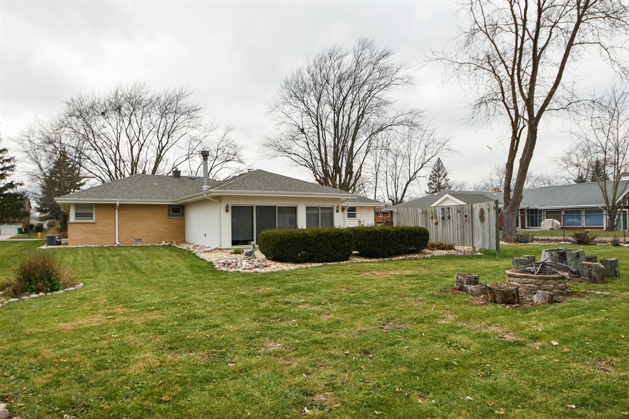 Real Estate Photography - 16351 RIDGELAND Avenue, Tinley Park, IL, 60477 - Rear View