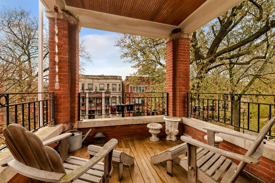 Real Estate Photography - 5638 North Wayne Ave, 3, Chicago, IL, 60660 - Deck