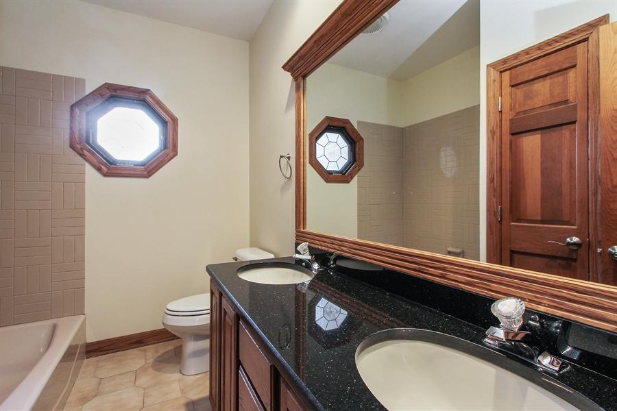 Real Estate Photography - 36 Saint John Dr, Hawthorn Woods, IL, 60047 - 3rd Bathroom
