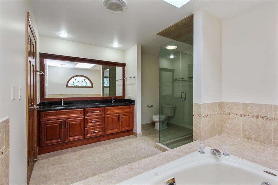 Real Estate Photography - 36 Saint John Dr, Hawthorn Woods, IL, 60047 - Master Bathroom