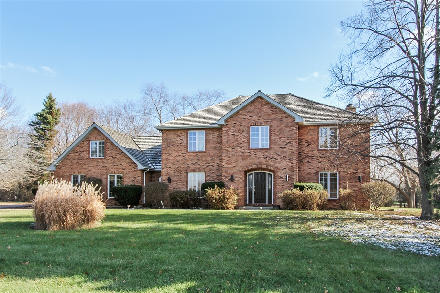 Real Estate Photography - 36 Saint John Dr, Hawthorn Woods, IL, 60047 - Front View