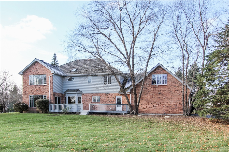Real Estate Photography - 36 Saint John Dr, Hawthorn Woods, IL, 60047 - Rear View
