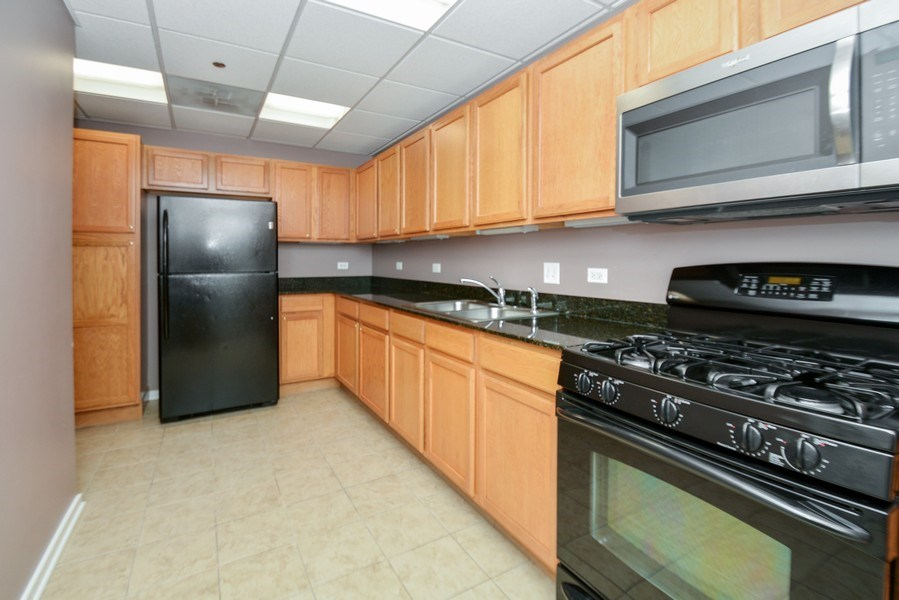 Real Estate Photography - 520 S. State Street, Unit 1109, Chicago, IL, 60605 - Kitchen