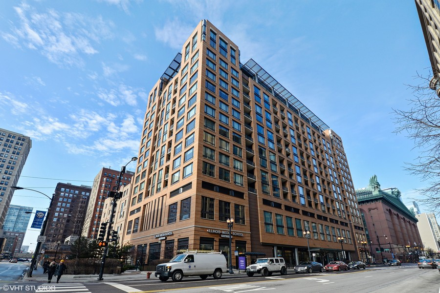 Real Estate Photography - 520 S. State Street, Unit 1109, Chicago, IL, 60605 - Front View