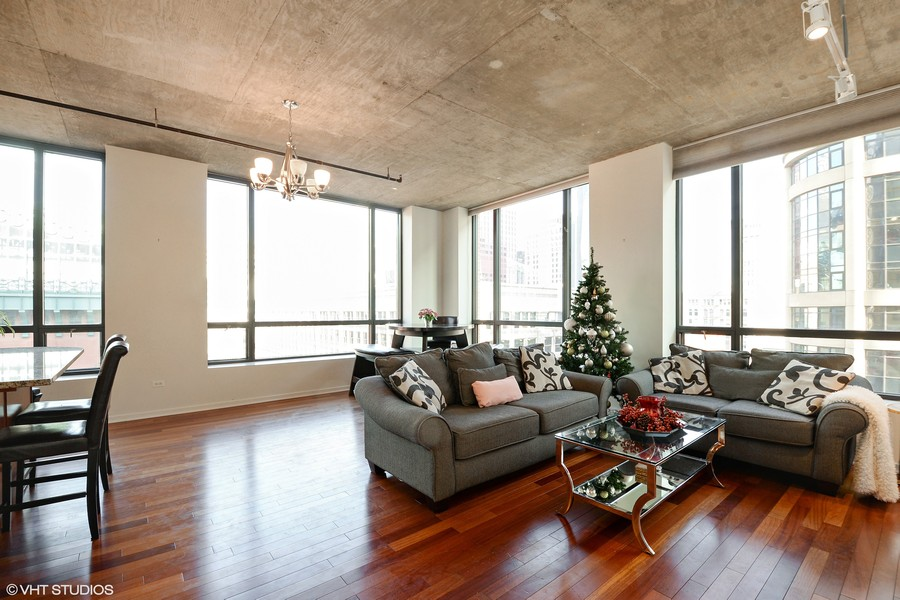 Real Estate Photography - 520 S. State Street, Unit 1109, Chicago, IL, 60605 - Living Room