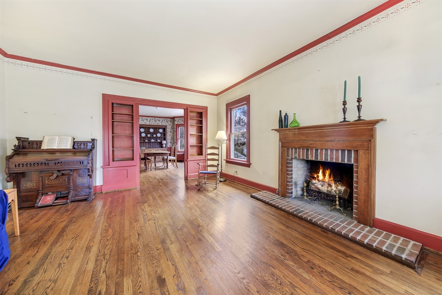Real Estate Photography - 681 Pleasant Ave, Glen Ellyn, IL, 60137 - Living Room