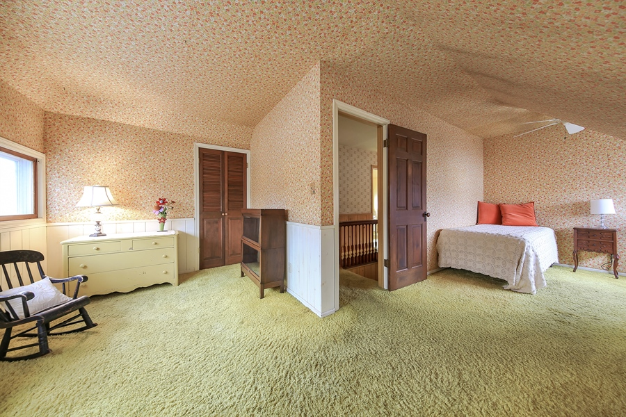 Real Estate Photography - 681 Pleasant Ave, Glen Ellyn, IL, 60137 - 2nd Bedroom