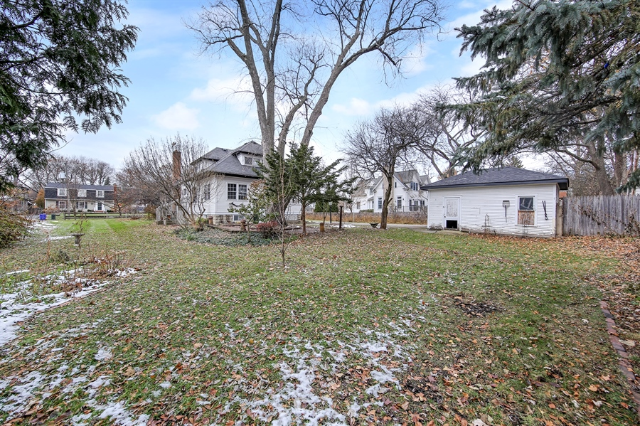 Real Estate Photography - 681 Pleasant Ave, Glen Ellyn, IL, 60137 - Rear View