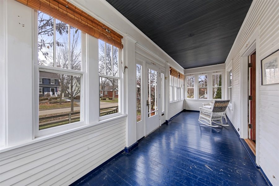 Real Estate Photography - 681 Pleasant Ave, Glen Ellyn, IL, 60137 - Porch