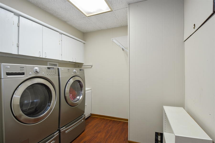 Real Estate Photography - 578 W. Signal Hill Road, North Barrington, IL, 60010 - Laundry Room