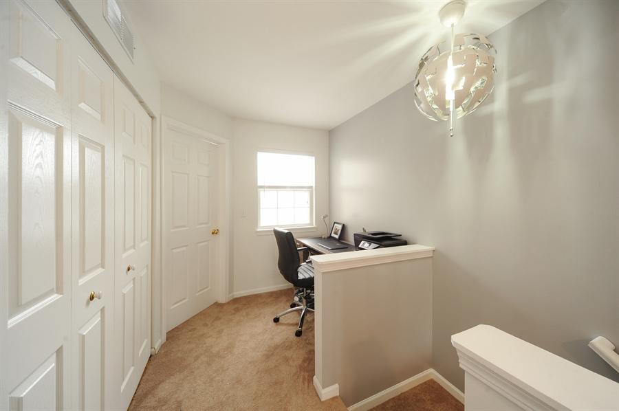 Real Estate Photography - 3154 FALLING WATERS Lane, Unit 3154, Lindenhurst, IL, 60046 - Loft