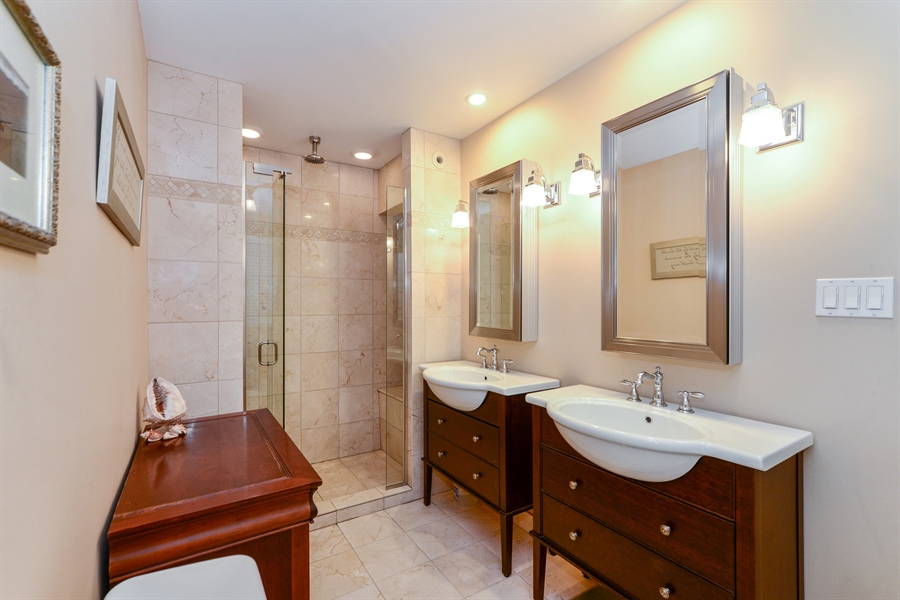 Real Estate Photography - 5510 N. Sheridan Road, Unit 8A, Chicago, IL, 60640 - Master Bathroom