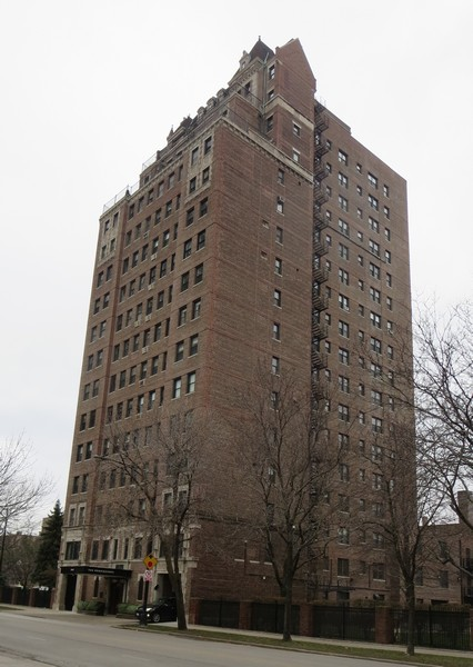 Real Estate Photography - 5510 N. Sheridan Road, Unit 8A, Chicago, IL, 60640 - Front View