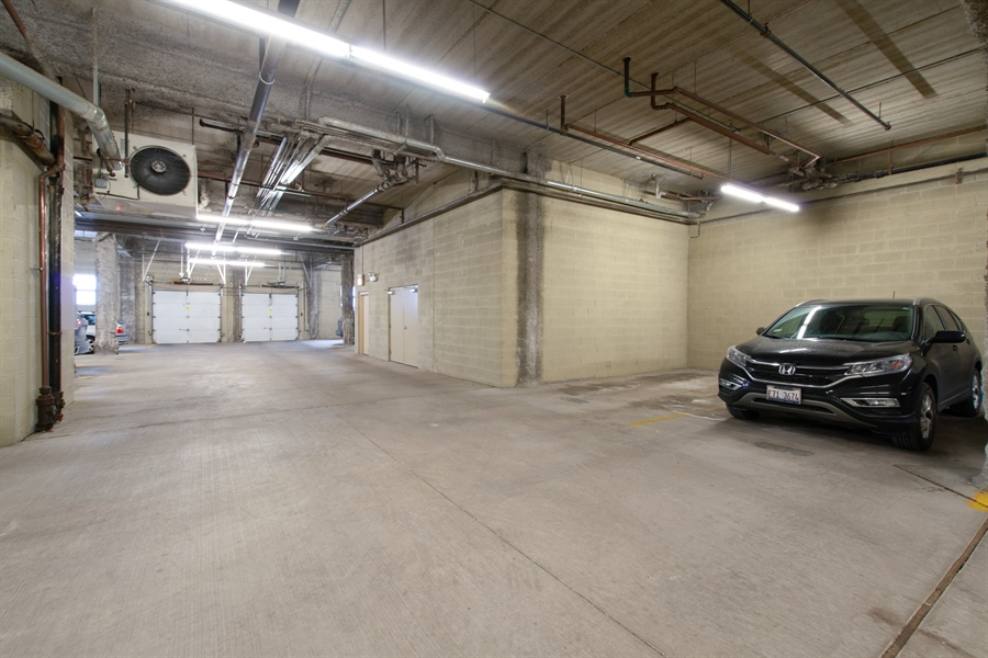 Real Estate Photography - 1600 N. MARSHFIELD Avenue, Unit 306, Chicago, IL, 60622 - Garage