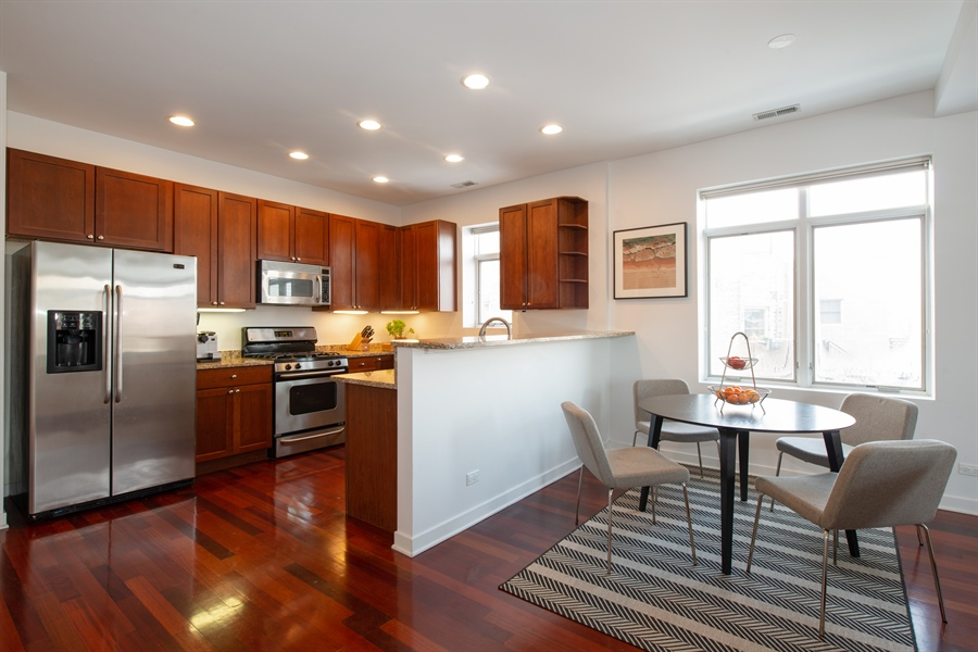 Real Estate Photography - 1600 N. MARSHFIELD Avenue, Unit 306, Chicago, IL, 60622 - Kitchen / Dining Room