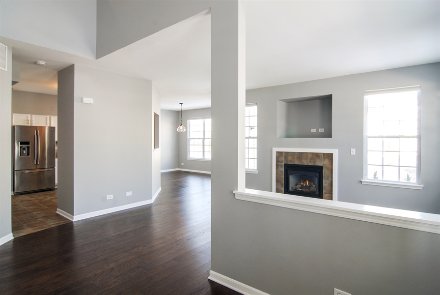 Real Estate Photography - 188 Brompton Drive, Unit A, Sugar Grove, IL, 60554 - Entryway