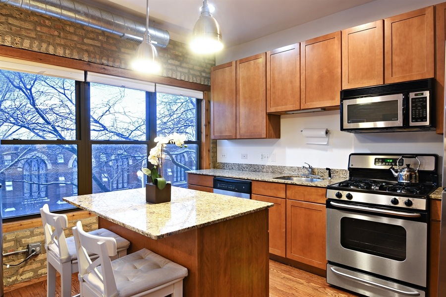 Real Estate Photography - 3608 N. Magnolia Avenue, Unit 2, Chicago, IL, 60613 - Kitchen