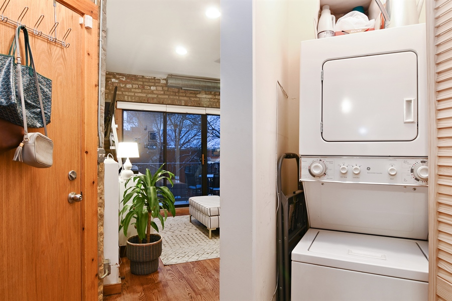 Real Estate Photography - 3608 N. Magnolia Avenue, Unit 2, Chicago, IL, 60613 - Laundry Room