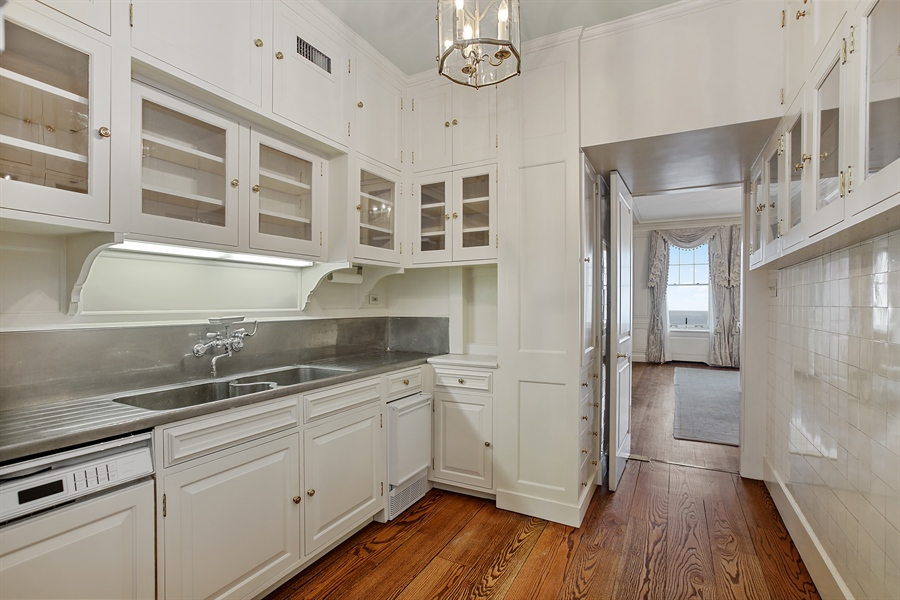 Real Estate Photography - 1500 N. Lake Shore Drive, Unit 11-12B, Chicago, IL, 60610 - Butler's pantry