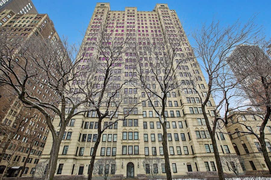 Real Estate Photography - 1500 N. Lake Shore Drive, Unit 11-12B, Chicago, IL, 60610 - 1500 North Lake Shore Drive Exterior