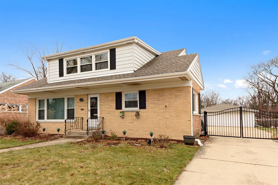 Real Estate Photography - 206 S. Forrest Avenue, Arlington Heights, IL, 60004 - Front View