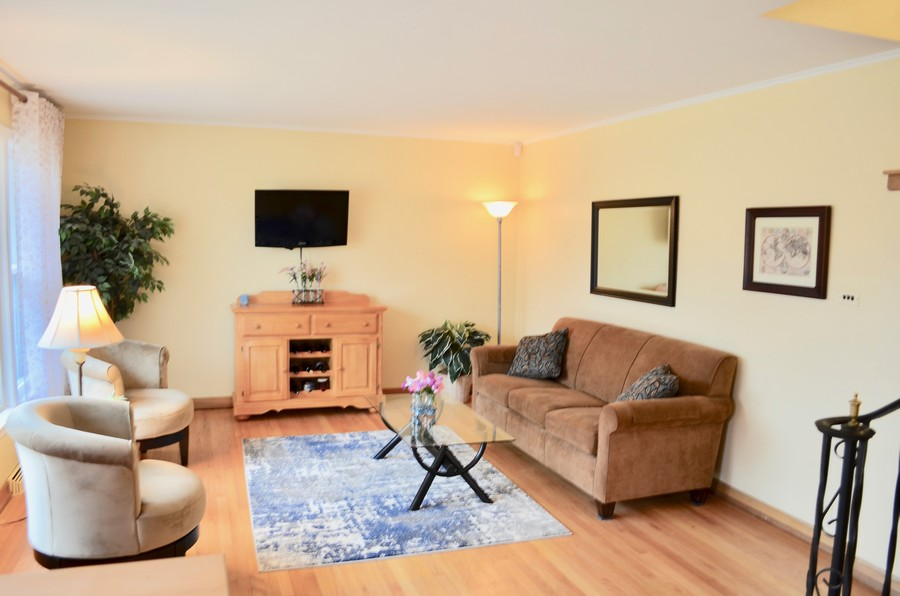 Real Estate Photography - 206 S. Forrest Avenue, Arlington Heights, IL, 60004 -