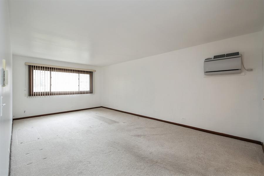 Real Estate Photography - 1258 Brown Street, Unit 102, Des Plaines, IL, 60016 - Living Room