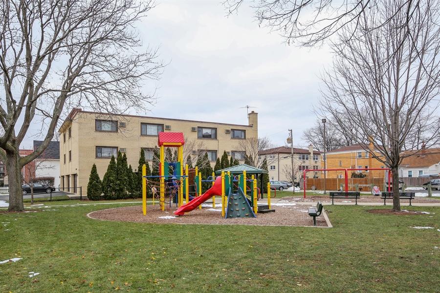 Real Estate Photography - 1258 Brown Street, Unit 102, Des Plaines, IL, 60016 - Park View